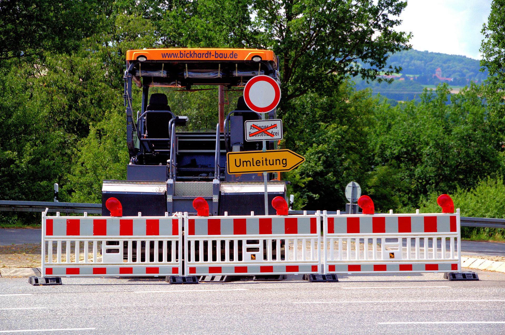 Baustelle im Straßenbau